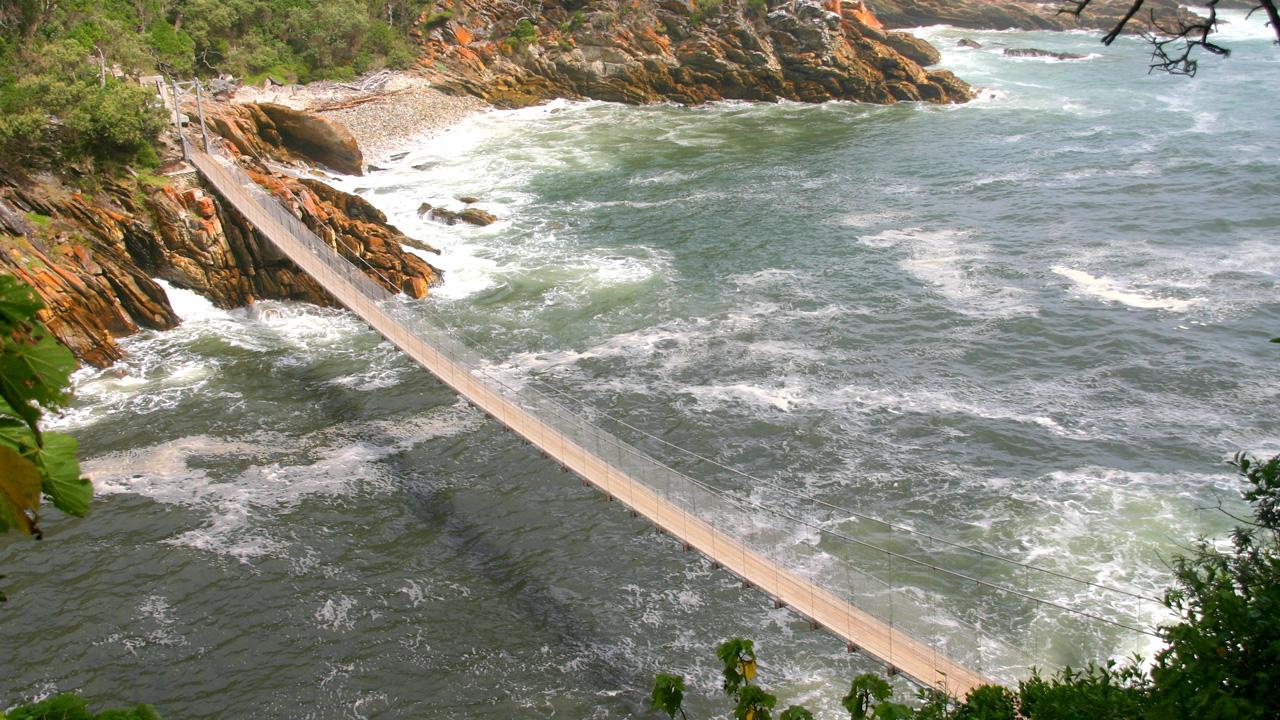 Brücke über den Storms River mit African Feeling